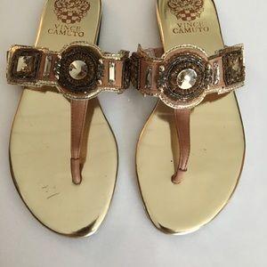 Nwot Vince Camuto gold flat thong sandal